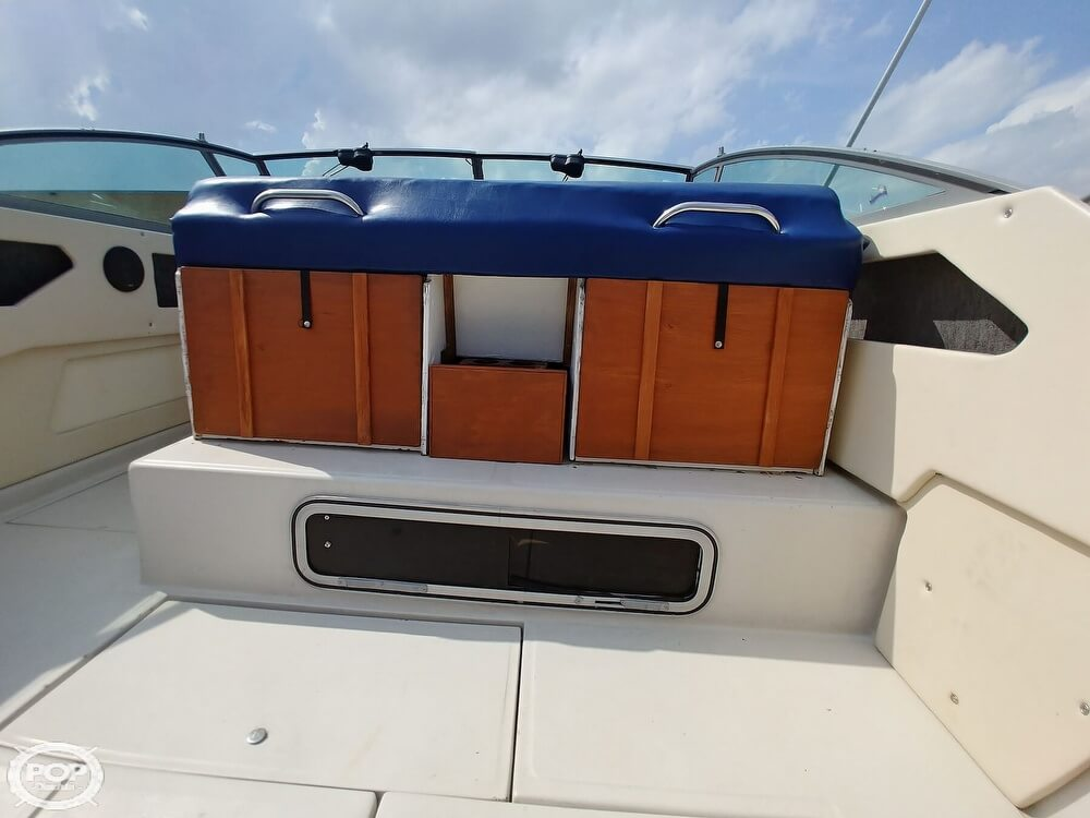 1986 Sea Ray boat for sale, model of the boat is SRV 300 Sundancer & Image # 33 of 40