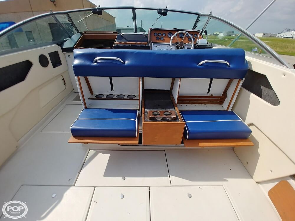 1986 Sea Ray boat for sale, model of the boat is SRV 300 Sundancer & Image # 8 of 40