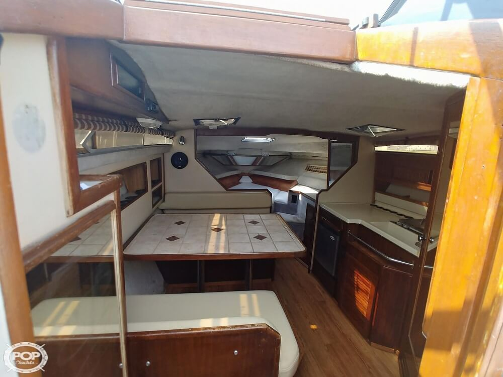 1986 Sea Ray boat for sale, model of the boat is SRV 300 Sundancer & Image # 11 of 40