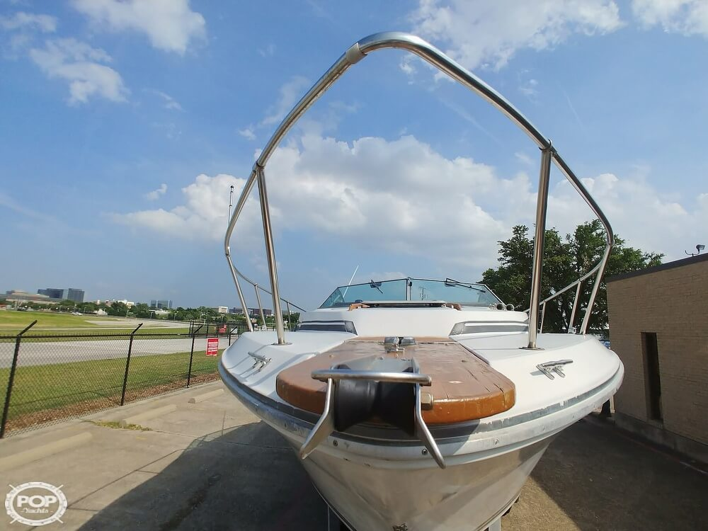 1986 Sea Ray boat for sale, model of the boat is SRV 300 Sundancer & Image # 17 of 40