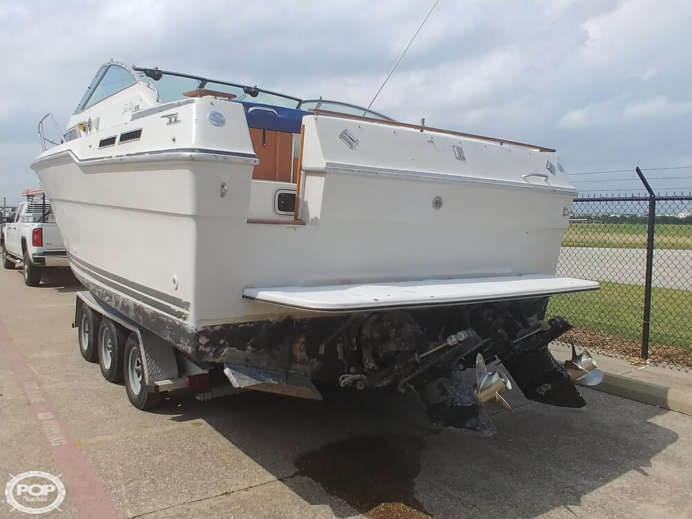 1986 Sea Ray boat for sale, model of the boat is SRV 300 Sundancer & Image # 13 of 40