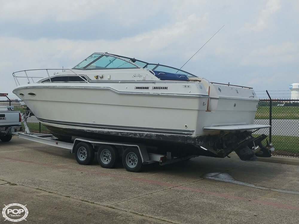 1986 Sea Ray boat for sale, model of the boat is SRV 300 Sundancer & Image # 12 of 40