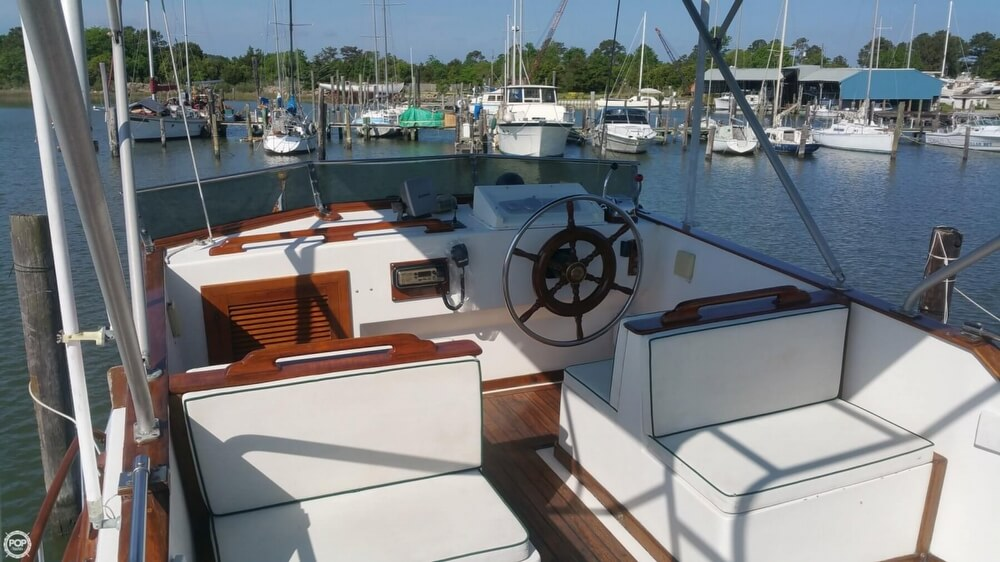 1984 Chien Hwa boat for sale, model of the boat is CHB 34 DC & Image # 19 of 40