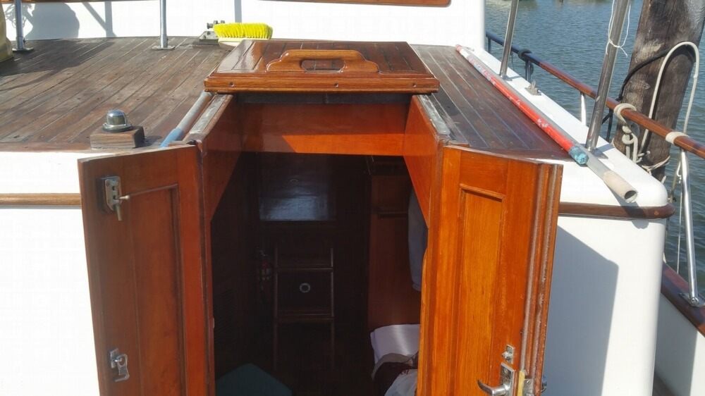 1984 Chien Hwa boat for sale, model of the boat is CHB 34 DC & Image # 32 of 40