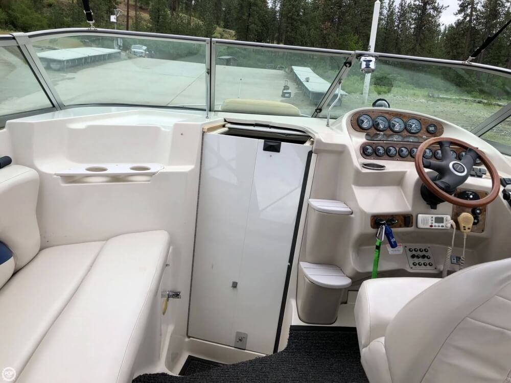 1997 Regal boat for sale, model of the boat is 2750 COMMODORE & Image # 39 of 40