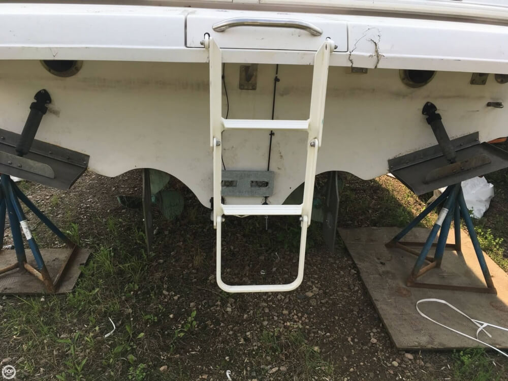 1999 Donzi boat for sale, model of the boat is 3250 LXC & Image # 23 of 40