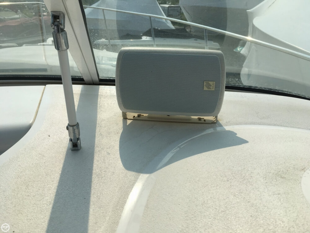 1999 Donzi boat for sale, model of the boat is 3250 LXC & Image # 32 of 40