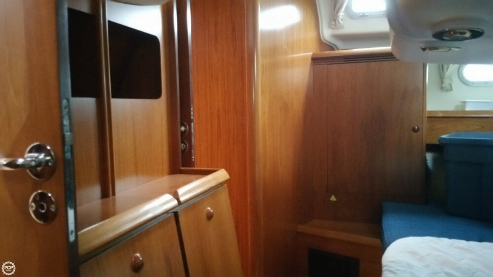 2005 Jeanneau boat for sale, model of the boat is Sun Odyssey 49 & Image # 38 of 40
