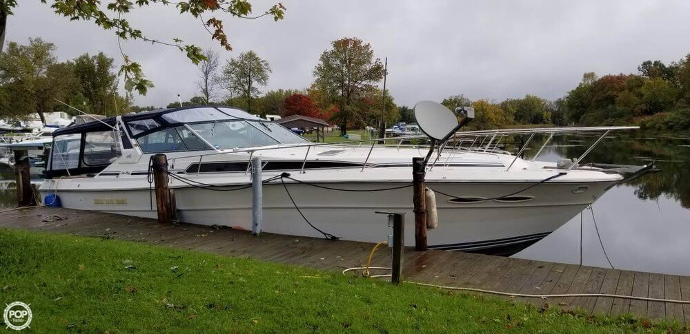 1989 Sea Ray boat for sale, model of the boat is 390 Express Cruiser & Image # 16 of 40