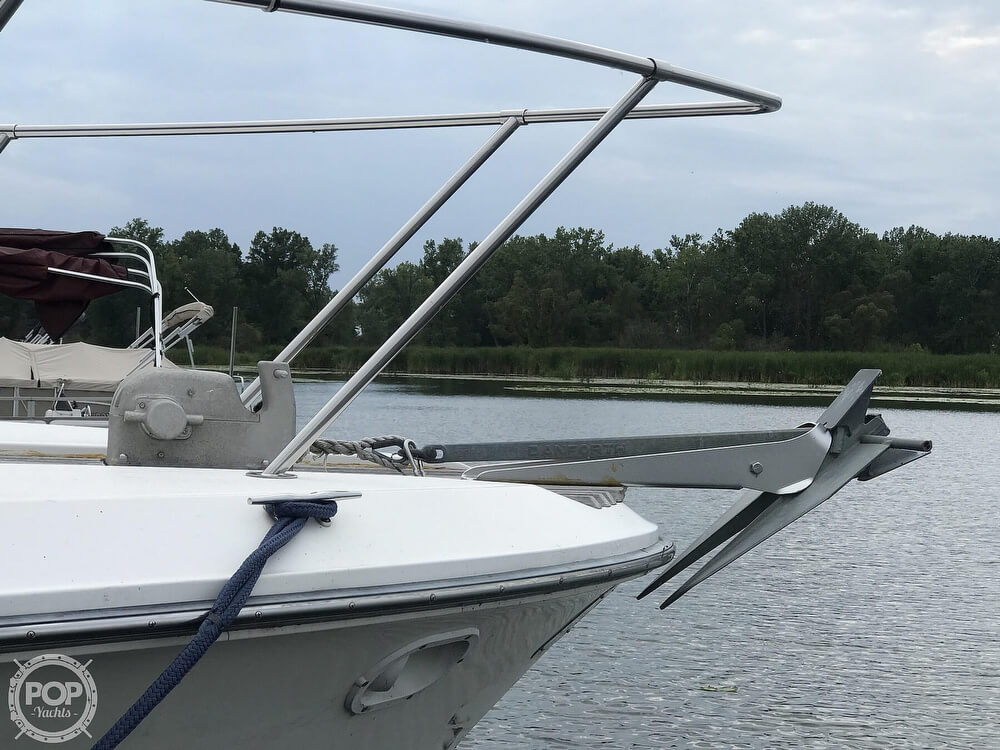 1989 Sea Ray boat for sale, model of the boat is 390 Express Cruiser & Image # 19 of 40
