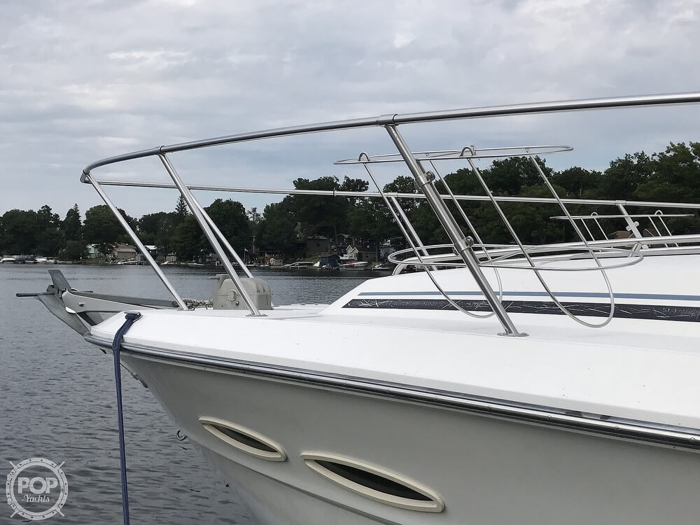 1989 Sea Ray boat for sale, model of the boat is 390 Express Cruiser & Image # 36 of 40