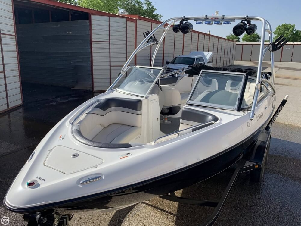 2006 Yamaha boat for sale, model of the boat is AR230 High Output & Image # 17 of 40
