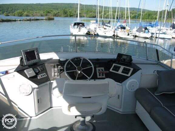 1988 Marinette boat for sale, model of the boat is 41 Flybridge & Image # 5 of 41