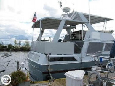 Marinette 41 Flybridge, 41', for sale - $160,600