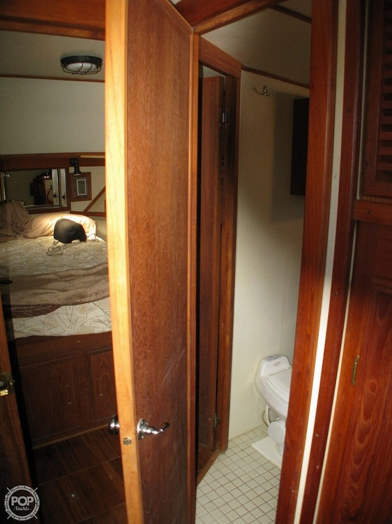 1988 Marinette boat for sale, model of the boat is 41 Flybridge & Image # 27 of 41