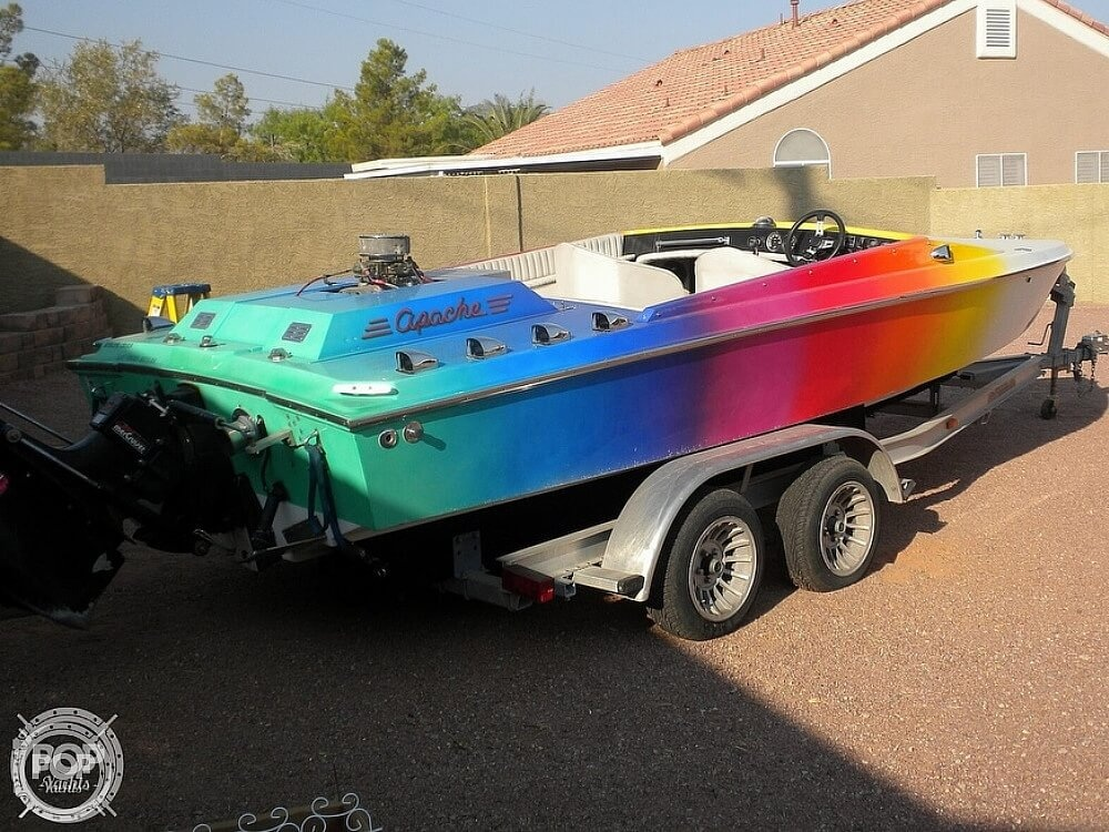 1986 Apache Powerboats boat for sale, model of the boat is Scout 2 & Image # 3 of 40