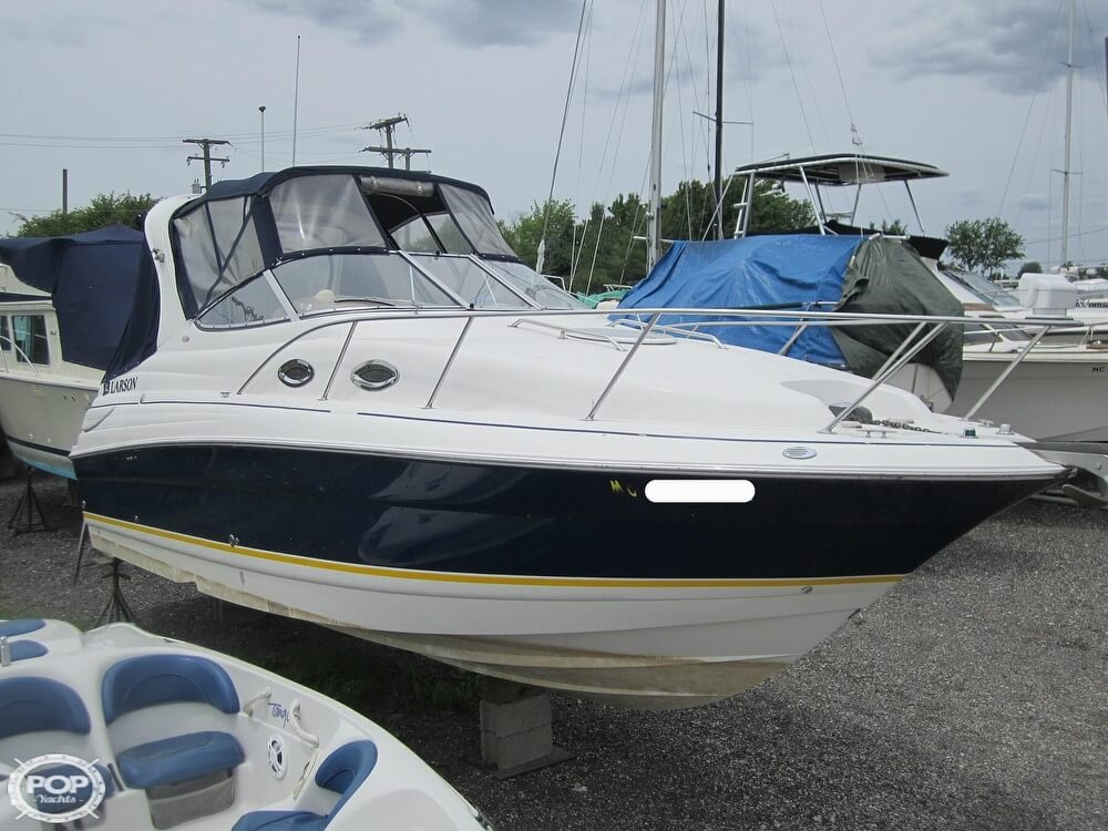 2005 Larson boat for sale, model of the boat is Cabrio 260 & Image # 2 of 40