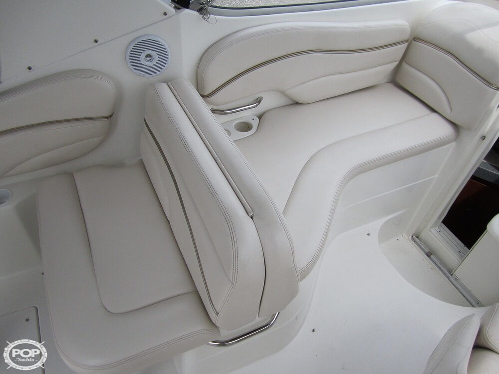 2005 Larson boat for sale, model of the boat is Cabrio 260 & Image # 4 of 40