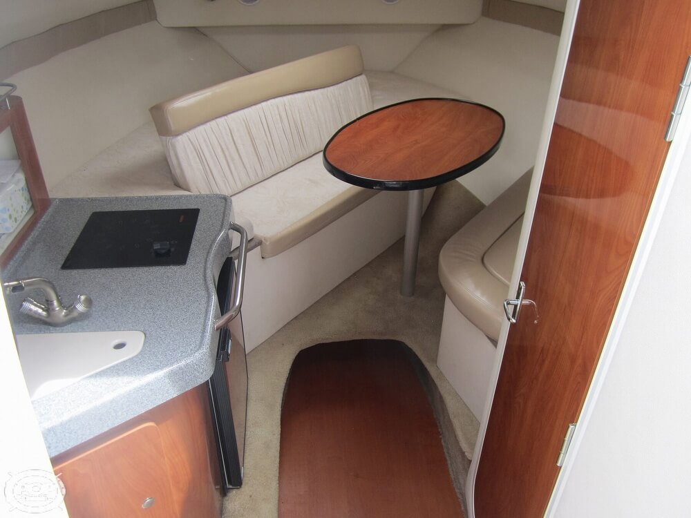 2005 Larson boat for sale, model of the boat is Cabrio 260 & Image # 6 of 40