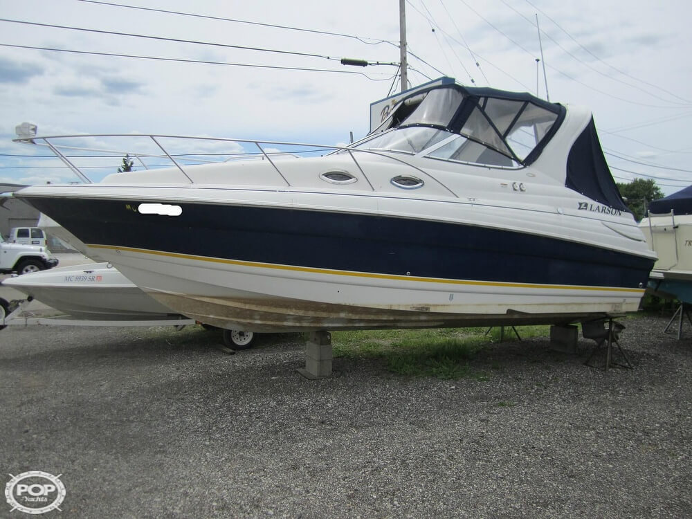 2005 Larson boat for sale, model of the boat is Cabrio 260 & Image # 13 of 40