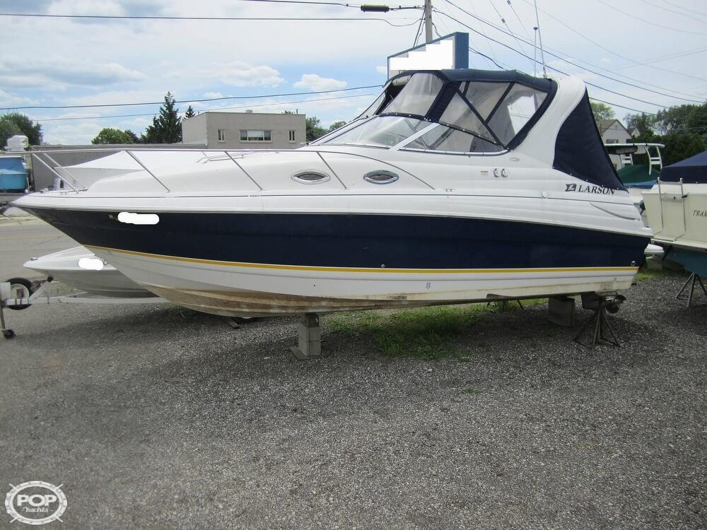 2005 Larson boat for sale, model of the boat is Cabrio 260 & Image # 15 of 40