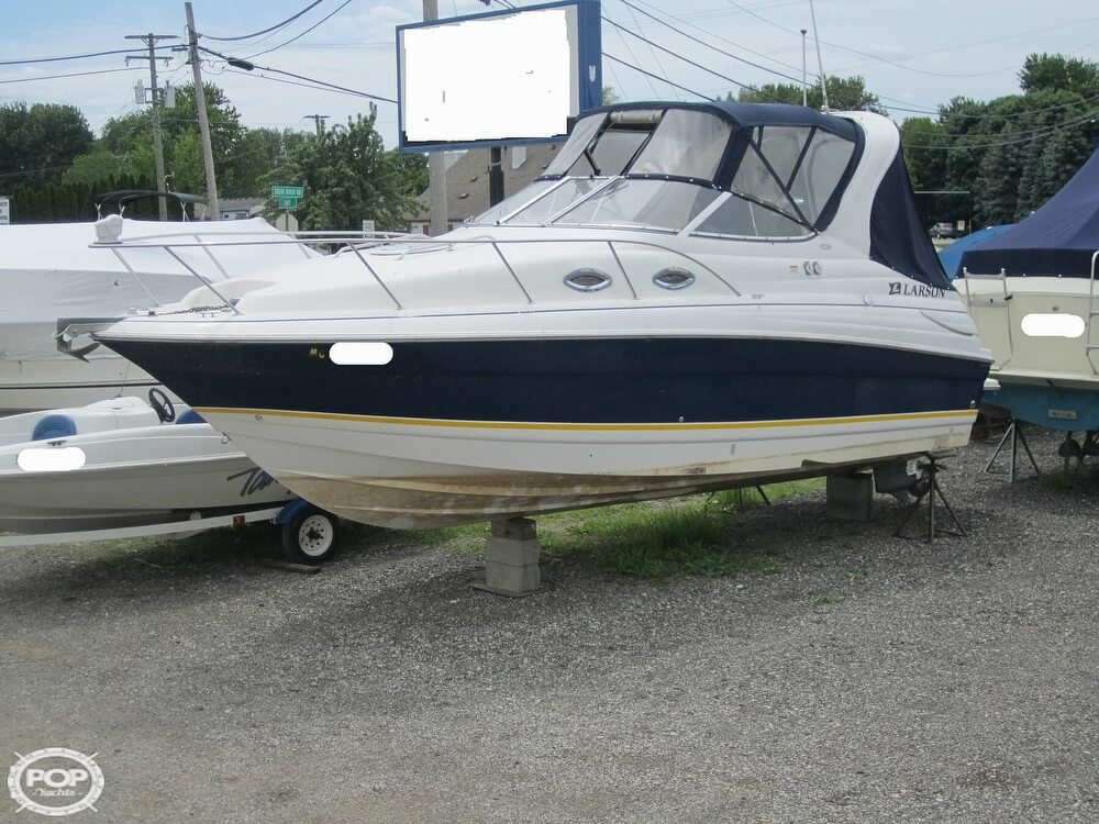 2005 Larson boat for sale, model of the boat is Cabrio 260 & Image # 16 of 40