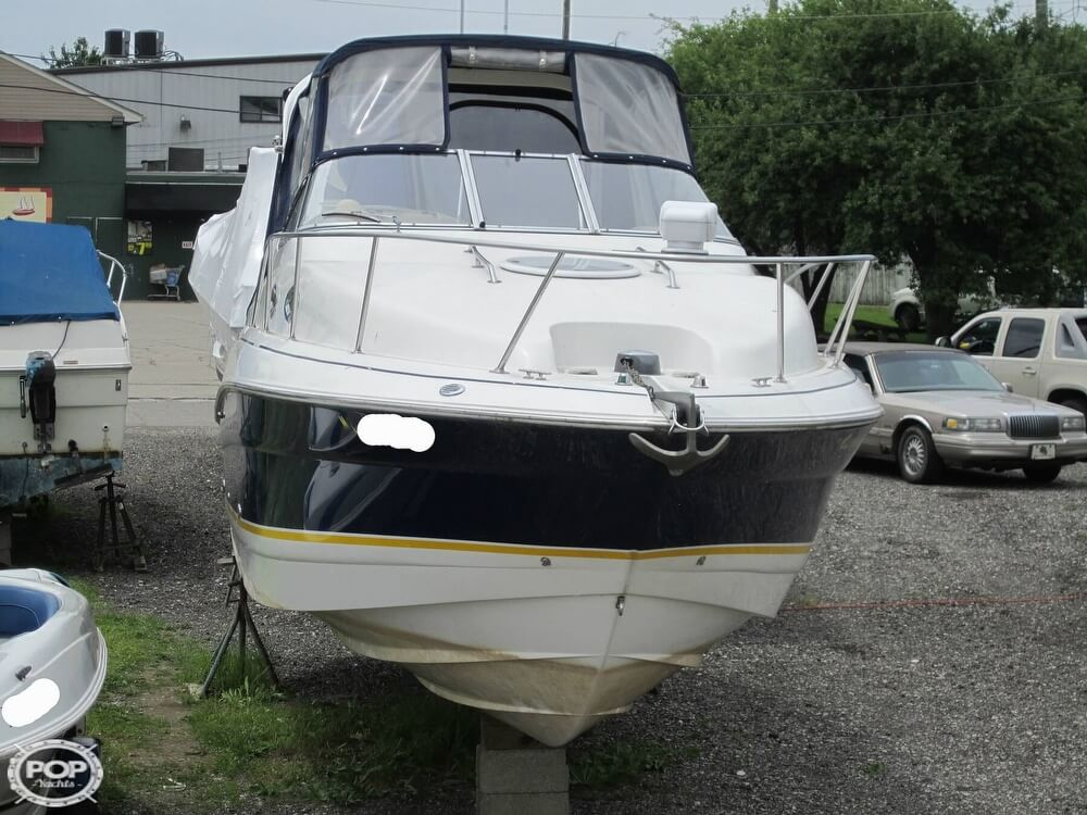 2005 Larson boat for sale, model of the boat is Cabrio 260 & Image # 18 of 40