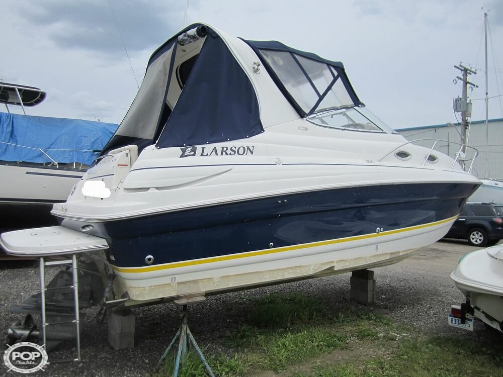 2005 Larson boat for sale, model of the boat is Cabrio 260 & Image # 20 of 40