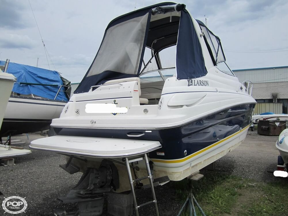 2005 Larson boat for sale, model of the boat is Cabrio 260 & Image # 22 of 40