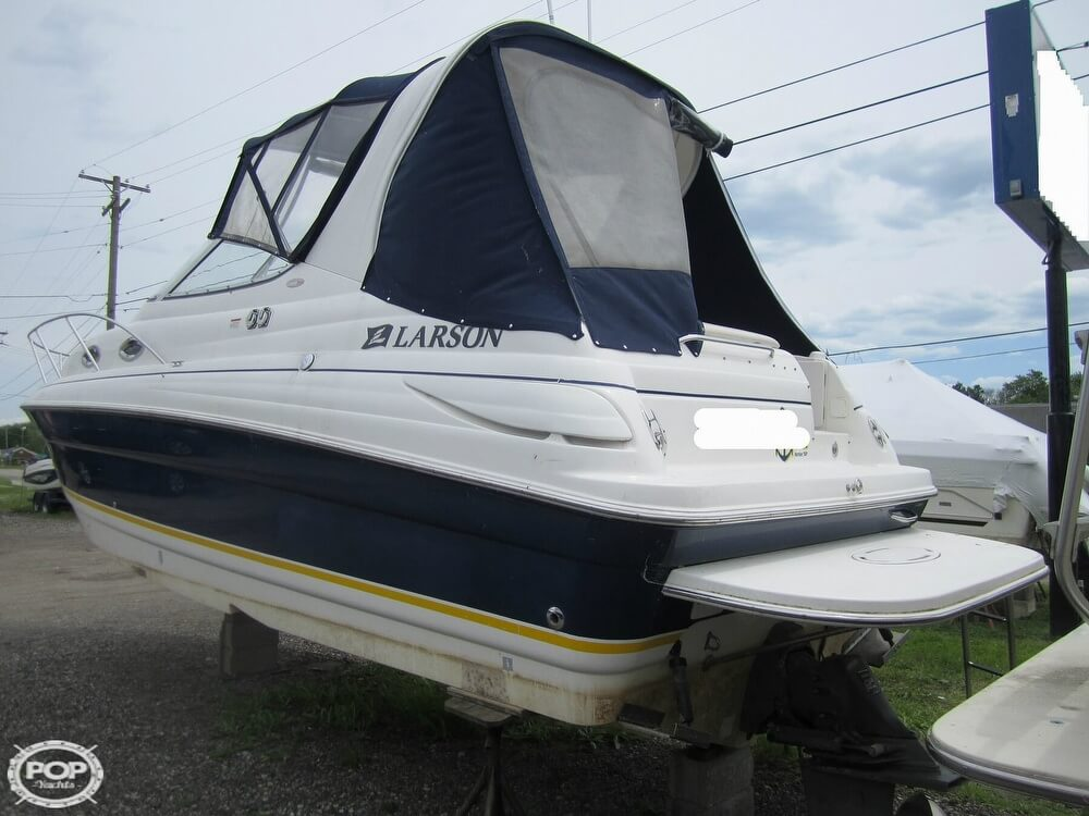 2005 Larson boat for sale, model of the boat is Cabrio 260 & Image # 23 of 40