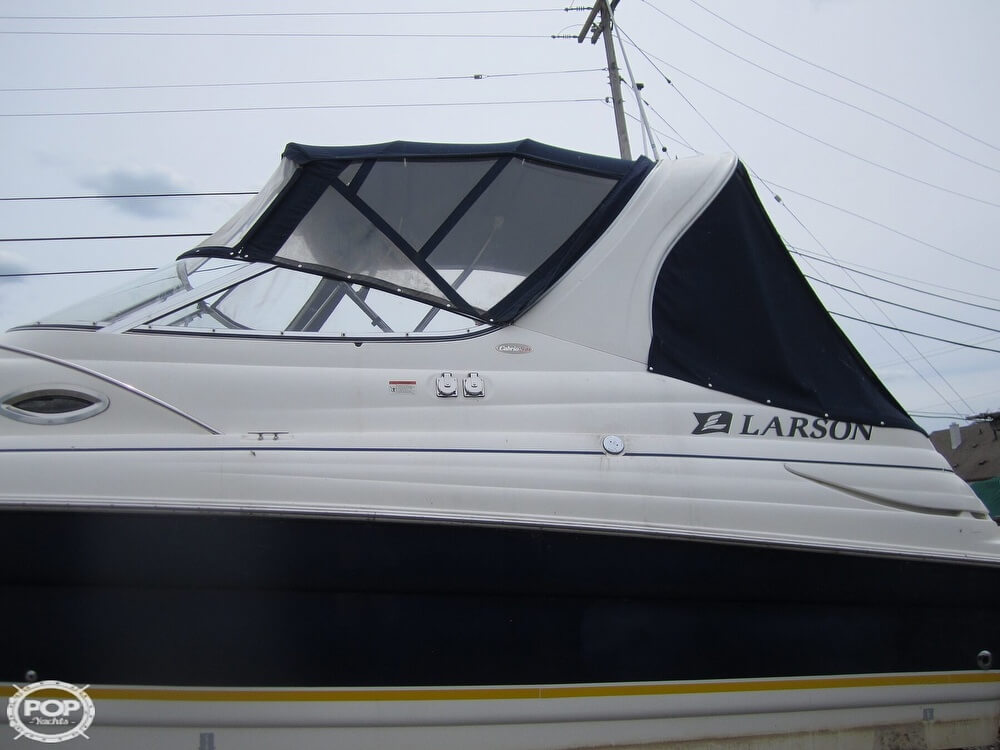 2005 Larson boat for sale, model of the boat is Cabrio 260 & Image # 33 of 40
