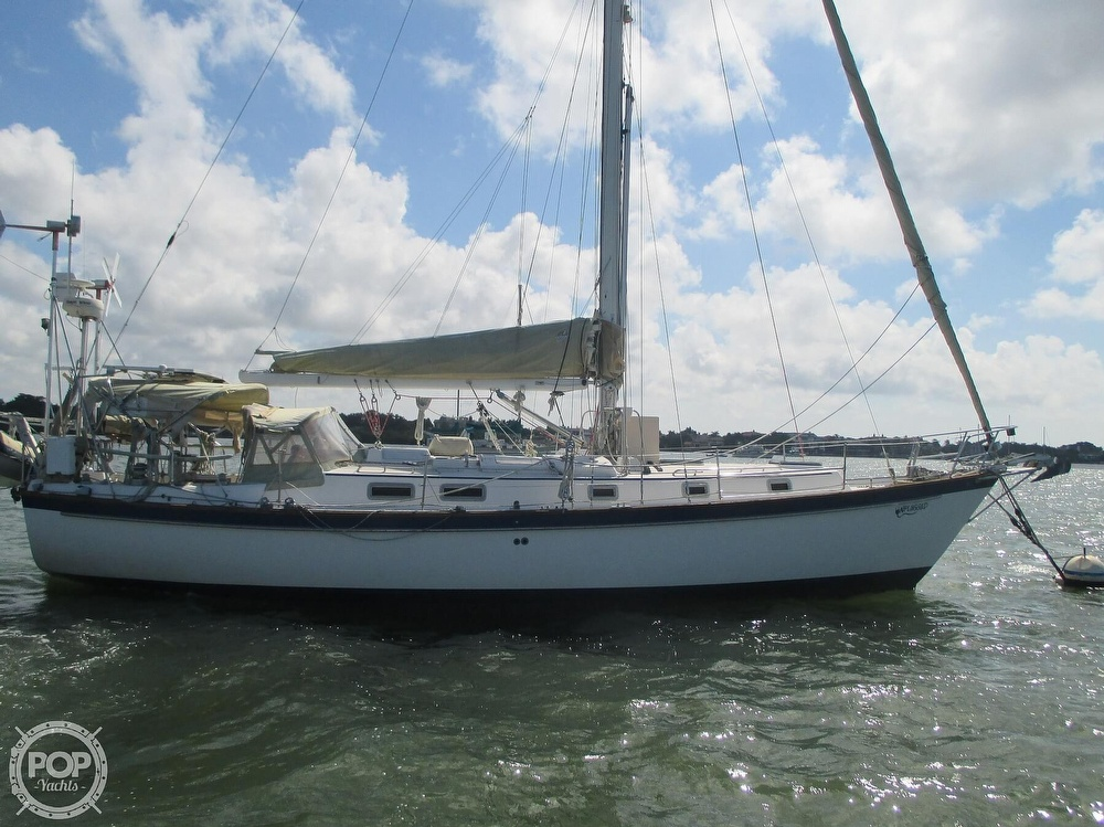 1982 Pearson boat for sale, model of the boat is 424 & Image # 14 of 40