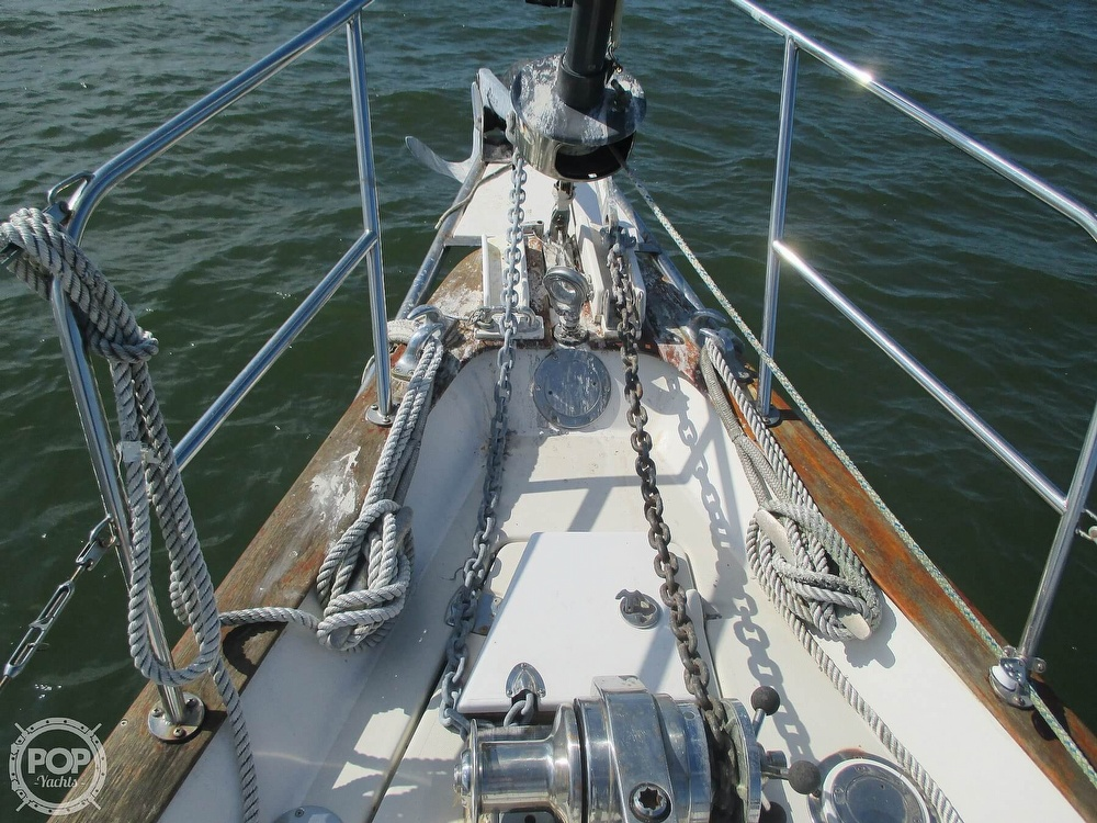 1982 Pearson boat for sale, model of the boat is 424 & Image # 15 of 40