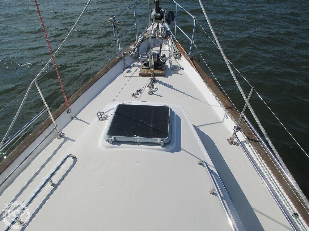1982 Pearson boat for sale, model of the boat is 424 & Image # 18 of 40