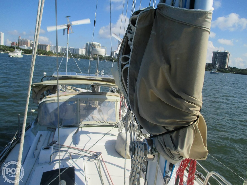 1982 Pearson boat for sale, model of the boat is 424 & Image # 26 of 40