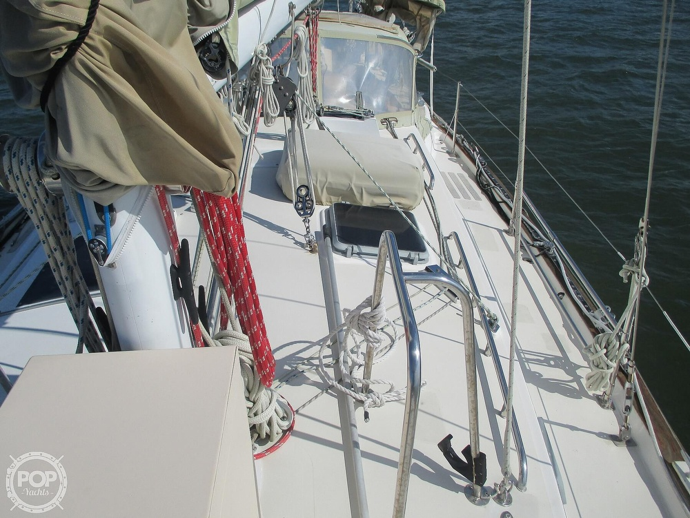 1982 Pearson boat for sale, model of the boat is 424 & Image # 28 of 40