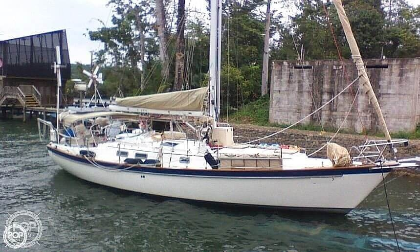 1982 Pearson boat for sale, model of the boat is 424 & Image # 4 of 40