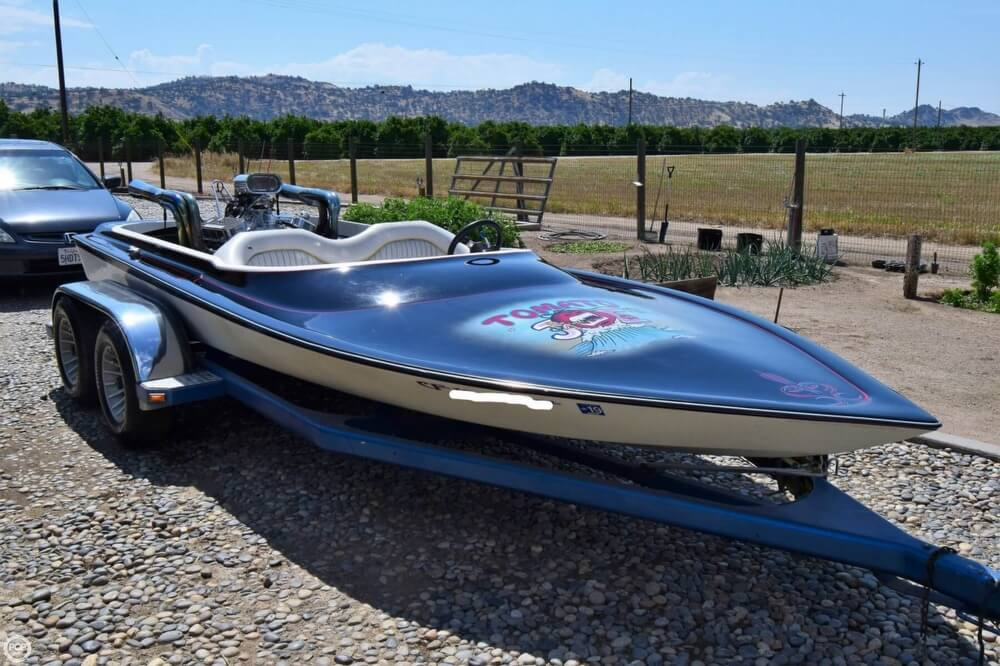 1977 Dominator boat for sale, model of the boat is 18 & Image # 13 of 41