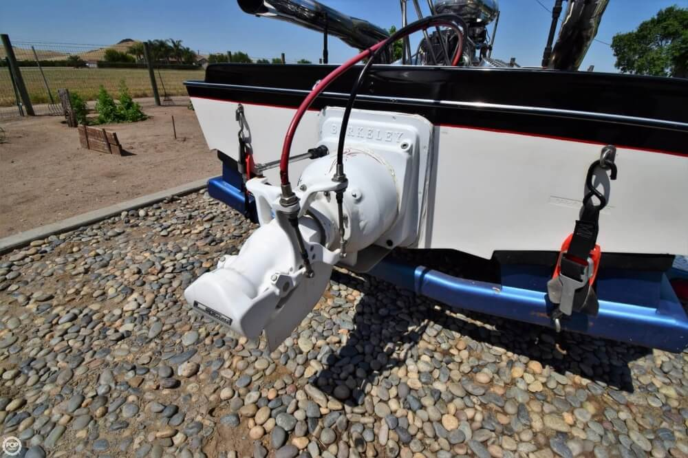 1977 Dominator boat for sale, model of the boat is 18 & Image # 25 of 41