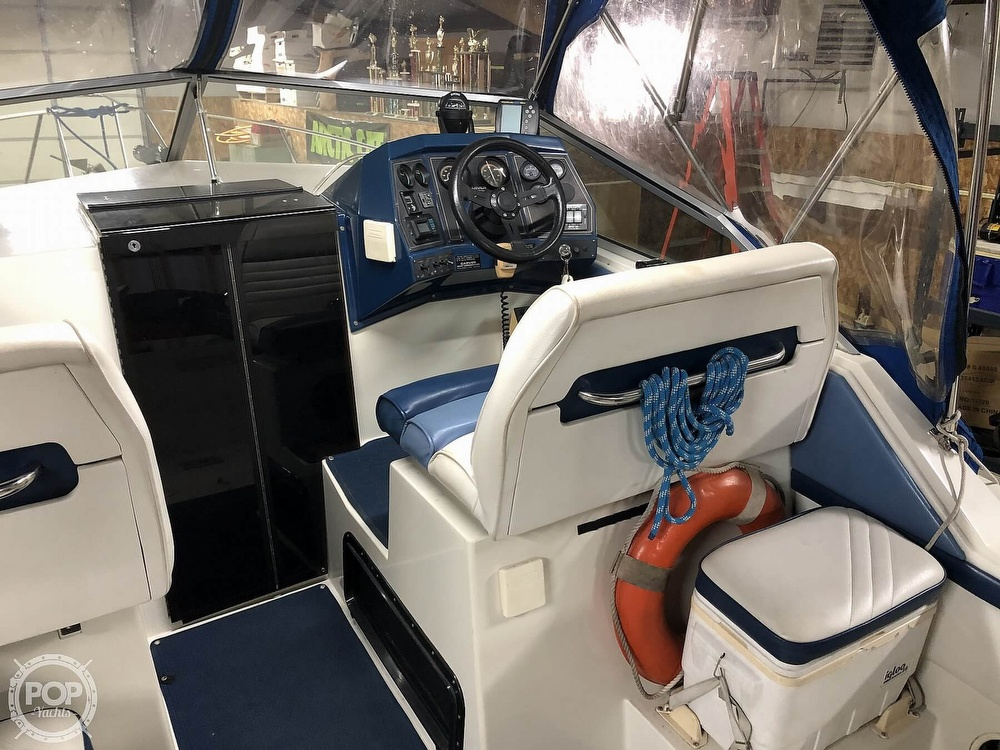 1989 Carver boat for sale, model of the boat is 23 Montego Mid Cabin & Image # 6 of 41