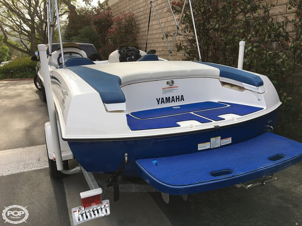 2004 Yamaha boat for sale, model of the boat is LX210 & Image # 12 of 40