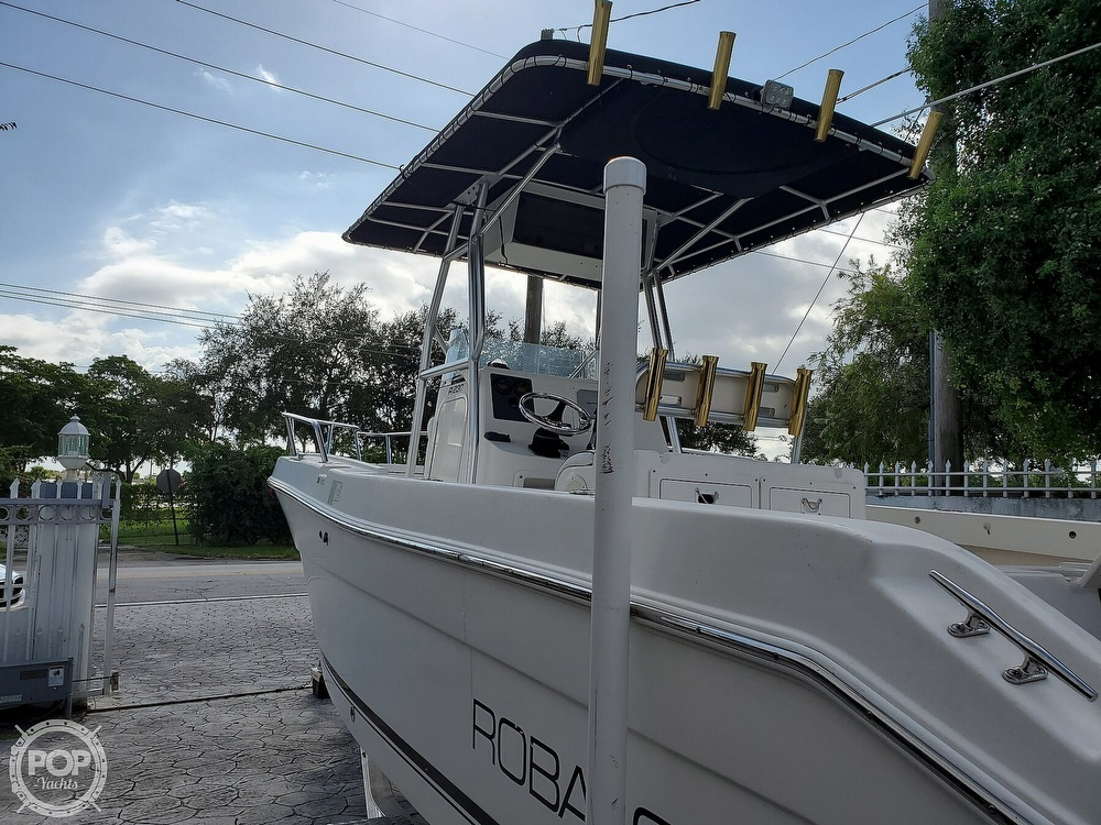 2004 Robalo boat for sale, model of the boat is R 230 & Image # 11 of 41