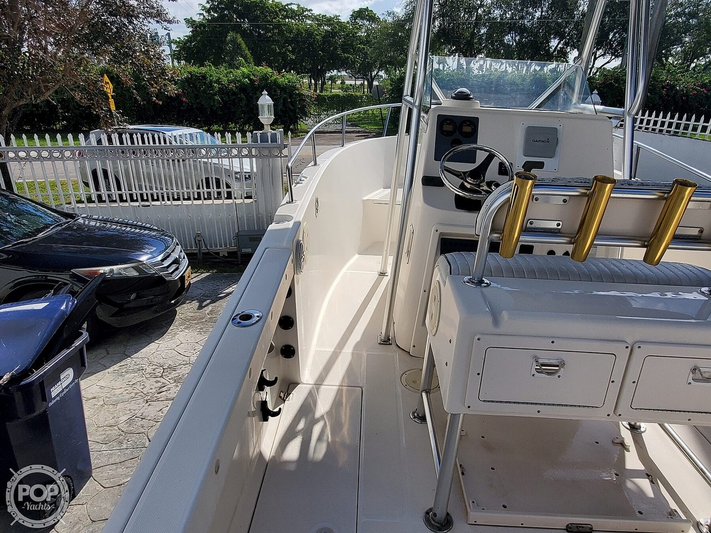 2004 Robalo boat for sale, model of the boat is R 230 & Image # 7 of 41