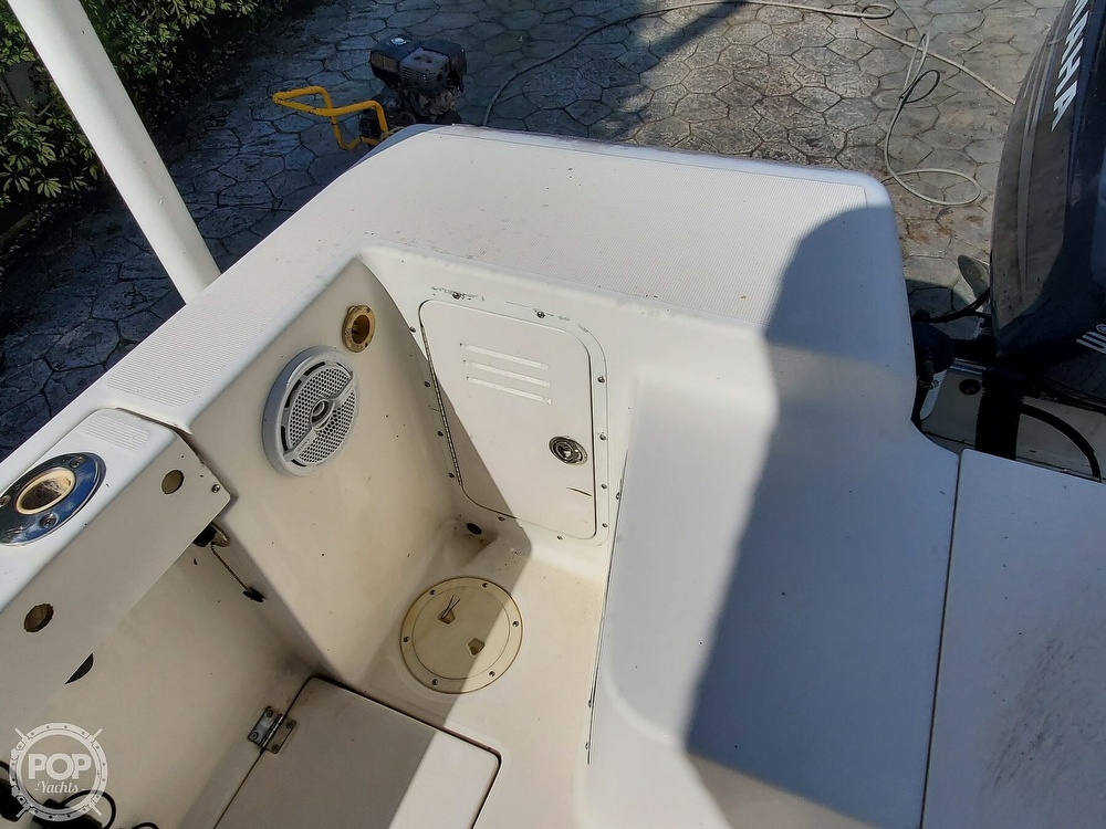2004 Robalo boat for sale, model of the boat is R 230 & Image # 19 of 41