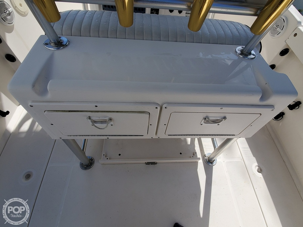 2004 Robalo boat for sale, model of the boat is R 230 & Image # 25 of 41