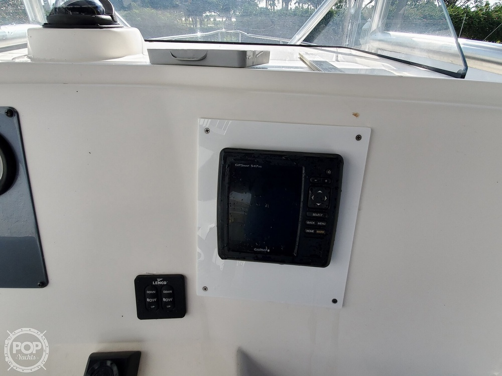 2004 Robalo boat for sale, model of the boat is R 230 & Image # 28 of 41
