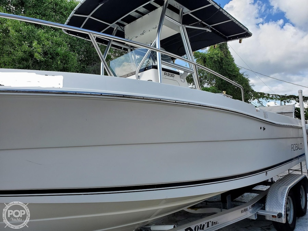 2004 Robalo boat for sale, model of the boat is R 230 & Image # 3 of 41