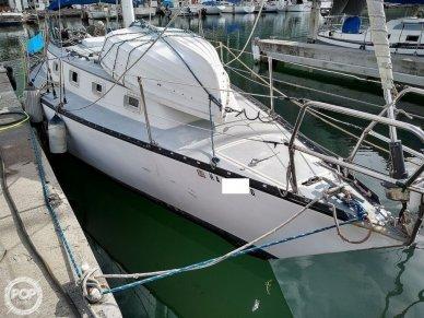Hunter 33 Cherubini, 33, for sale - $15,000