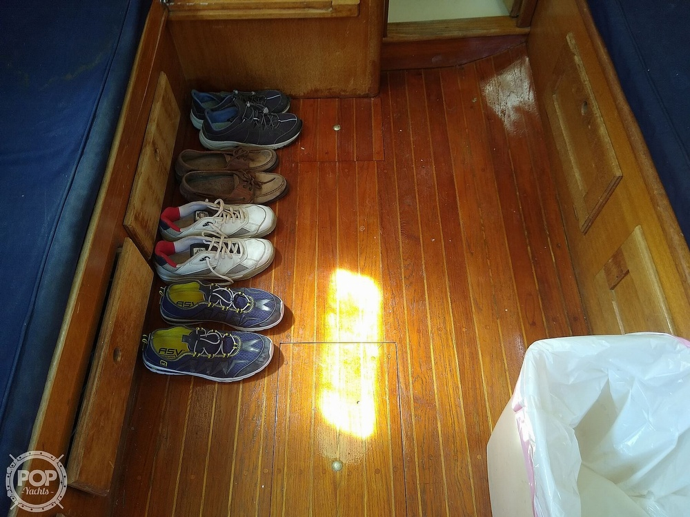 1979 Bristol boat for sale, model of the boat is 29-9 & Image # 3 of 41