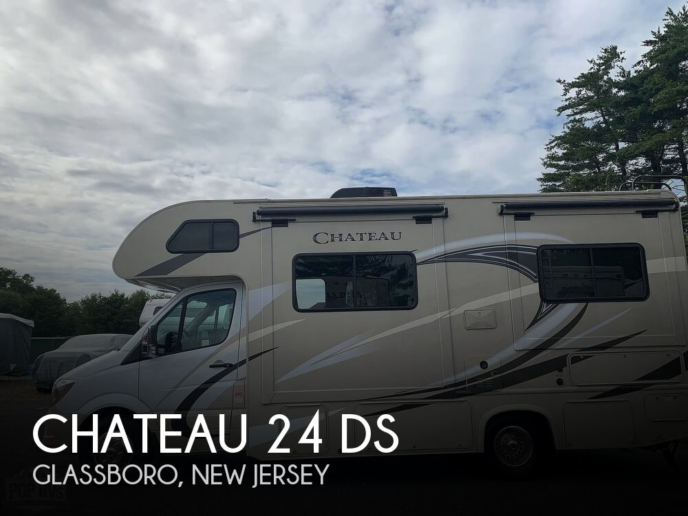 2018 Thor Motor Coach Chateau 24 DS